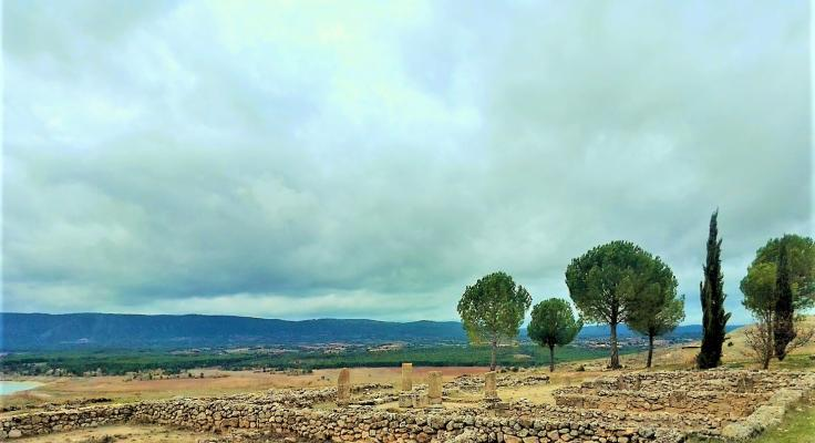 Views from the ruins of the Roman settlement of Ercávica towards the Altomira valleys and Buendía reservoir (Cuenca)